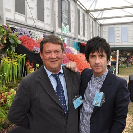 Johnny Marr visiting Matt at Chelsea.